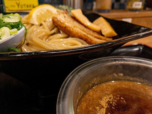冷製つけ麺。 #mrdkbf2020grumet #browngrumet  夏季限定? 冷たい麺と冷たいスープ 冬でも冷たいうどん食べたい私にぴったりな冷たいつけ麺。 なるべくつけ汁残して、ご飯を少し入れお茶漬け風に食べるとgoodです。 。 #つけ麺二代目yutaka周南店 #まいぷれ周南フォトコン2020秋 myplshunan #mrdkbf2020grumet #browngrumet #iphone #lightroomcamera