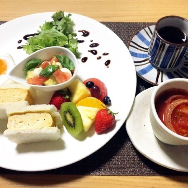 🔹 料理教室 小桜のニュース 🔹 @yousuke19950127  〜お知らせ〜 こんにちは。料理教室小桜です✨ 5月から【体験レッスン】がスタートします! 出汁を取って玉子焼きを作り、お洒落なサンドイッチのワンプレートランチにします。 ちょっとしたお土産付きです! 是非お休みの日にちょっと良い時間を過ごしてみませんか? キッズスペースもあります。お子様も連れて是非ご来店下さいませ。  〜料金〜 3000円(税込) 1レッスン4名様まで(先着順)  〜予約受付〜 Instagram DM または電話番号 080-1900-9550まで👍  5月レッスン予定表 〜体験コース〜 5/1(土) 14:00〜16:30 5/2(日) 10:00〜12:30 14:00〜16:30 5/3(月) 14:00〜16:30 5/4(火)14:00〜16:30 5/5(水)14:00〜16:30 5/8(土) 14:00〜16:30 5/9(日) 10:00〜12:30 14:00〜16:30 5/15(土) 14:00〜16:30 5/16(日) 10:00〜12:30  〜季節コース〜(月替わりメニュー) 5/22(土) 14:00〜16:30 5/23(日) 10:00〜12:30 14:00〜16:30 5/29(土) 14:00〜16:30 5/30(日) 10:00〜12:30 14:00〜16:30  その他の開催希望の際はご連絡下さいませ❗️  詳しくはプロフィールのリンクよりご覧下さい! ーーーーーーーーーーーーーーーーーーーーーーー 店名*料理教室 小桜 住所*山口県下松市 古川町4-4-22 電話番号*080-1900-9550 Instagram*@yousuke19950127 ーーーーーーーーーーーーーーーーーーーーーーー   #周南市 #周南 #下松市 #下松  #教室 #習い事 #周南習い事#周南市習い事 #下松習い事#下松市習い事 #光習い事#光市習い事 #小桜料理教室 #料理教室小桜 #料理教室 #下松市料理教室 #子供連れレッスン #体験レッスン #大人の習い事 #光市#光 #まいぷれ周南